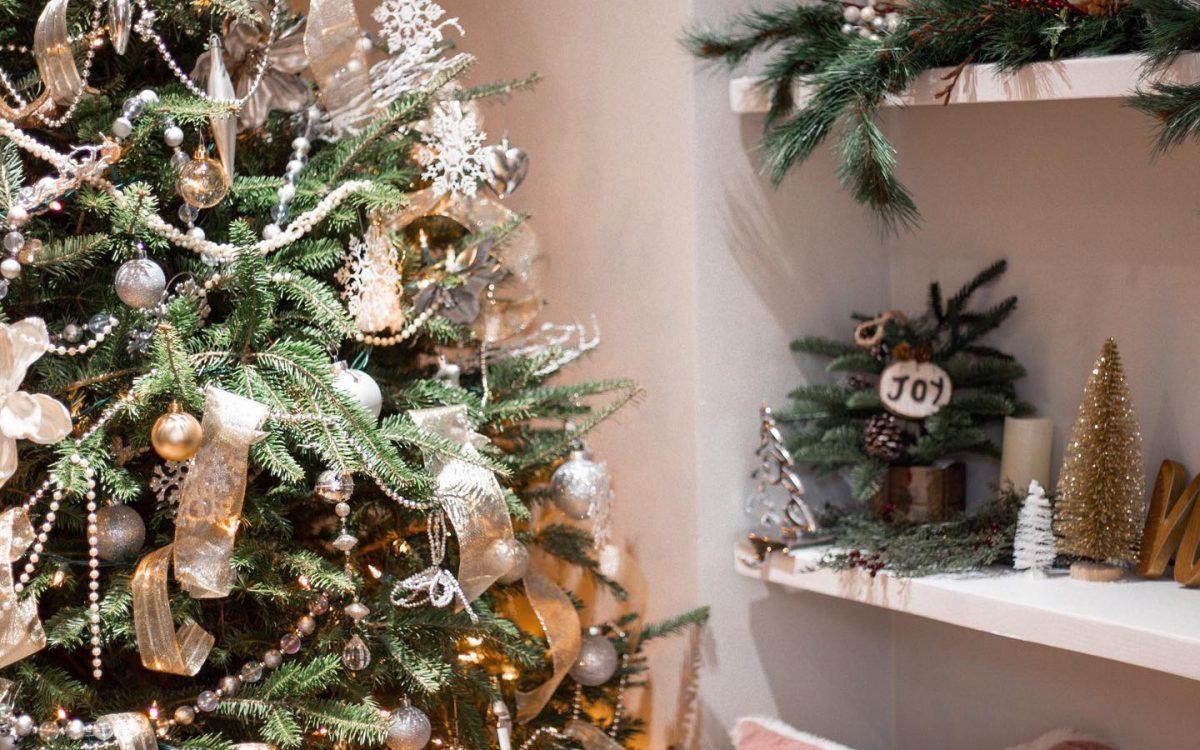 Holiday Decor on a Budget