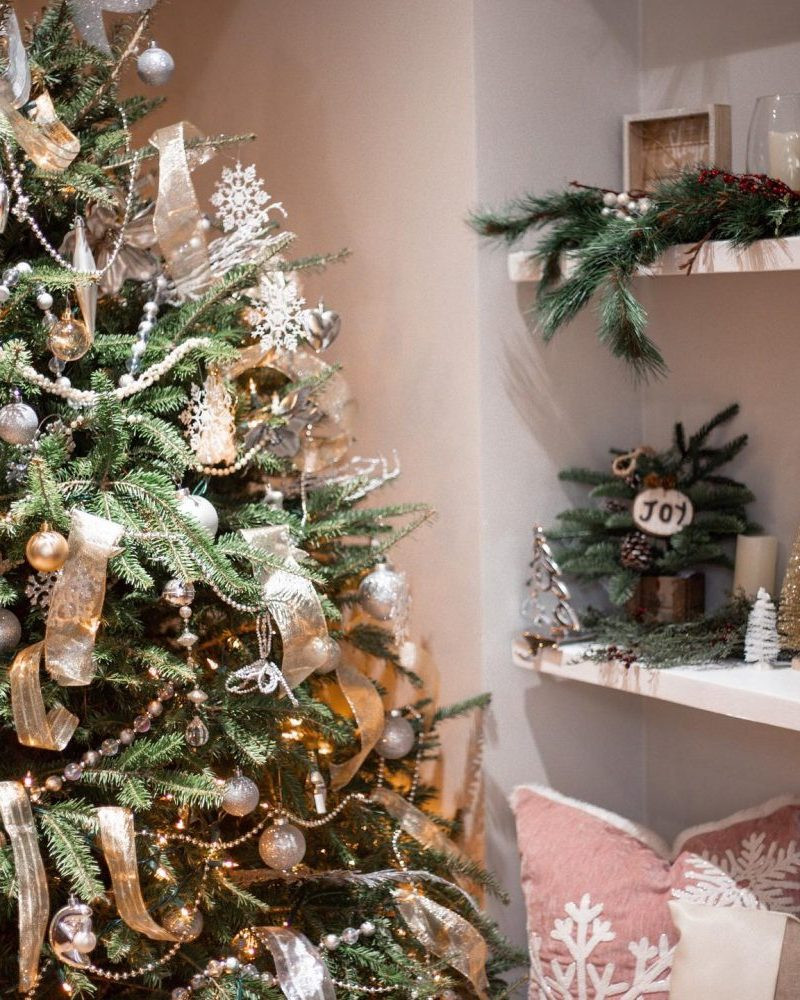Holiday Decor on a Budget